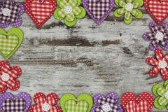 Objetos feitos a mão coloridos em uma composição do quadro Imagem de Stock