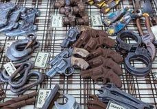Objetos feitos a mão do chocolate em um mercado do chocolate Alimento artístico Fotos de Stock Royalty Free