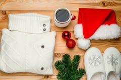Objetos hermosos listos para una reunión del ` s del Año Nuevo de un winte frío Fotografía de archivo