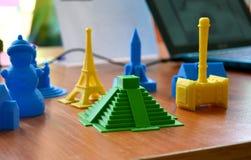 Objetos impressos por uma impressora 3d Imagens de Stock