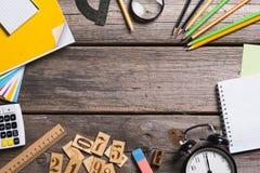 Objetos para a educação, fontes de escola, escritório foto de stock royalty free