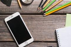 Objetos para a educação, fontes de escola, escritório imagem de stock