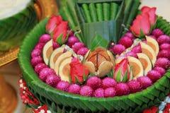 Objetos para la ceremonia de boda tailandesa imagenes de archivo