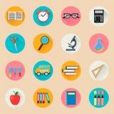 Objetos para la escuela De nuevo a estudio Sistema de iconos planos redondos Foto de archivo libre de regalías
