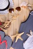 Objetos para las vacaciones de verano en el mar Fotos de archivo libres de regalías