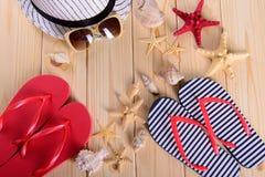 Objetos para las vacaciones de verano en el mar Imágenes de archivo libres de regalías