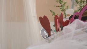 Objetos que esperan el photocall en la boda metrajes