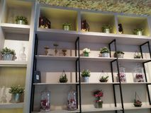 Objetos que podem ser feitos a uma boa decoração da casa fotos de stock