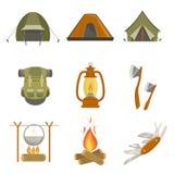 Objetos relacionados de acampamento ajustados Imagens de Stock Royalty Free