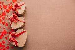 Objets élégants de l'amour pour la célébration de jour de valentines pour un couple, concept de carte de voeux Photo stock