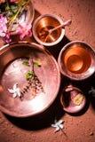 Objets de cuivre utilisés en Sandhya Vandanam, rituel traditionnel de Bramhin Photos libres de droits