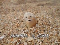 Objets drôles L'été est terminé images stock