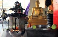 Objets et détails de prière à un temple bouddhiste, extérieur photographie stock libre de droits