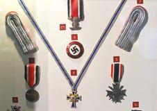 Objets exposés au musée de la bataille de la Normandie. image libre de droits