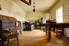 Objets exposés d'antiquité dans la maison hantée de San Diego Chambre Muse de Whaley photos libres de droits