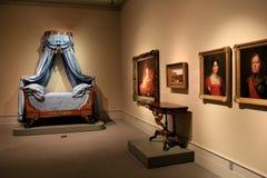 Objets exposés de stupéfaction des peintures et des meubles dans plusieurs chambres, institut d'Albany de l'histoire et art, New  image stock