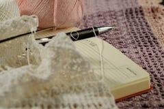 Objets pour le tricotage Images stock