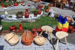 Objets traditionnels en céramique et en bois Images libres de droits