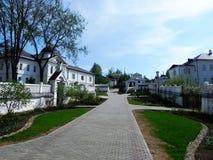 卡卢加州oblast的圣尼古拉斯Chernoostrovsky女修道院一个圣地 免版税库存图片
