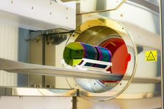 Oblea del silicium del cargamento en un horno del horno foto de archivo libre de regalías
