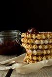 Obleas con la mermelada de fresa Foto de archivo