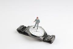 obliczenie puszka pojęcia postaci stojaka minimalny biznesowy zegarek obraz stock