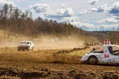 OBNINSK, RÚSSIA - EM ABRIL DE 2015: Autocross fora de estrada fotos de stock