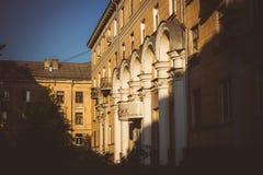 Obninsk, Rusland - Juli 2018: Architectuur op het Oude Stadsgebied in Obninsk stock afbeelding
