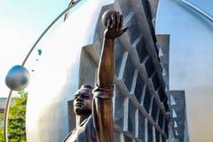 Obninsk, Russie - juillet 2016 : Monument aux pionniers de l'énergie nucléaire photos libres de droits