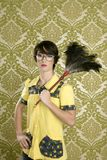 obowiązki domowe stwarzać ognisko domowe gospodyni domowej głupka retro tapetowej kobiety Zdjęcia Royalty Free