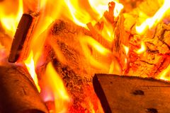 Obozowy ogień przy Październikiem zdjęcie royalty free