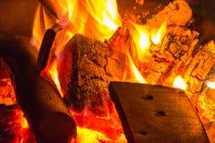 Obozowy ogień przy Październikiem obrazy royalty free
