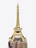 Obrączka ślubna na statuy wieży eifla Fotografia Royalty Free