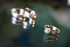 Obrączki ślubne dzień, biżuteria, horyzontalna, propozycja Zdjęcie Royalty Free