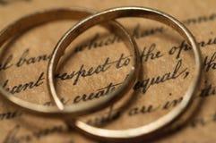 Obrączki ślubne na USA konstytuci Obraz Royalty Free