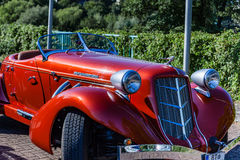 Obra clásica castaña cargada estupenda de 851 secciones troncónicas Castaña era una marca de los automóviles americanos producido imagen de archivo