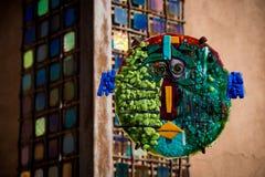 Obra de arte como se ve en la calle de Canyon Road en Santa Fe fotografía de archivo