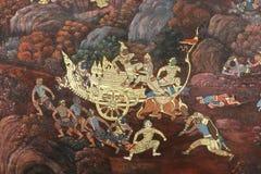 Obra-prima da arte tailandesa tradicional da pintura do estilo velha sobre a história de Ramayana na parede do templo em Watphrak imagens de stock