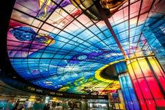 Obra-prima de vidro no telhado da estação de Meilidao em Kaohsiung, Taiwan fotos de stock