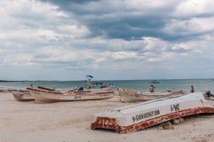 Obracać łodzie przy Tulum plażą, Meksyk Zdjęcie Royalty Free