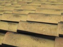 obrachunkowy antyczny palący ceramiczny prąd wyczerpujący robić mimik przypomina dachowej płytki drewnem drewnianym był Zdjęcie Royalty Free