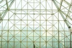 obramia stalową strukturę Zdjęcie Royalty Free