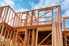 Obramiająca nowa budowa Domowy budynek nowy dom otoczka dom, folująca rama Zdjęcie Royalty Free