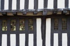 być obramowane historycznego w domu drewna fotografia stock