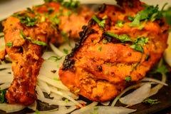 Obras pequenas do ` dos ors d do petisco das mordidas da galinha de Tandoori Foto de Stock