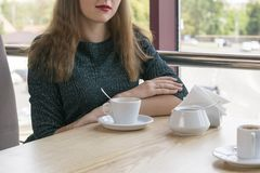 Obrazek odpoczywa w restauracji dama obraz royalty free