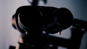 Obrazek operacyjny mikroskop w laboratorium Medyczny okulistyczny przyrząd zbiory wideo