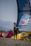 Obrazki Long Beach w Montenegro spotkaniu kitesurfers 03- Zdjęcia Stock