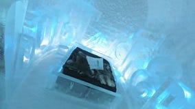 obrazujący przy lodowym hotelem w Szwecja fotografia royalty free