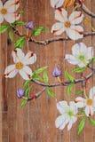Obrazy kwiaty na drewnianych podłoga Obrazy Royalty Free
